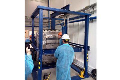 В ПАО «Криогенмаш» успешно начались вакуумные испытания на стенде по отработке способов уплотнения в размерах фланца верхнего порт-плага